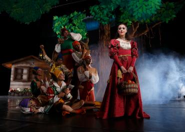 Katherine Barkman as Snow White | Ballet Manila Snow White