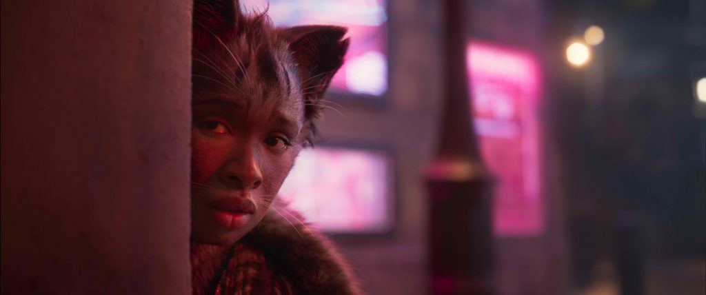 Jennifer Hudson is a Jellicle in Cats.   The Little Binger   Credit: United International Pictures